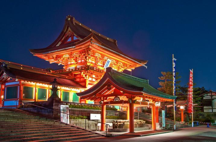معبد زیبا در ژاپن