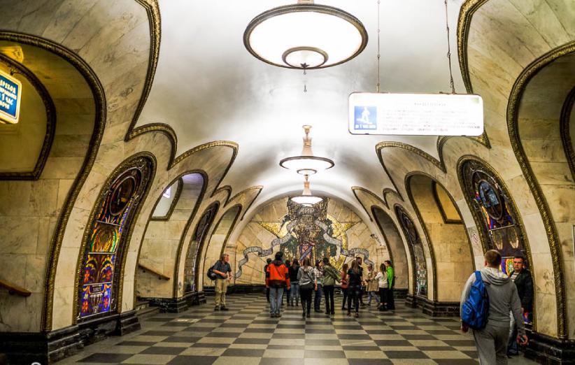سفر به آخرالزمان در دالان های متروی مسکو