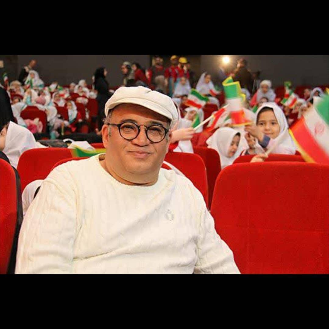 نادر سلیمانی در حاشیه جشن سیمرغ و پروانه ها: کاش روزی سیمرغ های سینمایی بر شانه های کودک و نوجوانان بنشینند