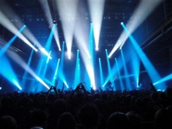 برگزاری کنسرت حامی در شیراز ممنوع شد!