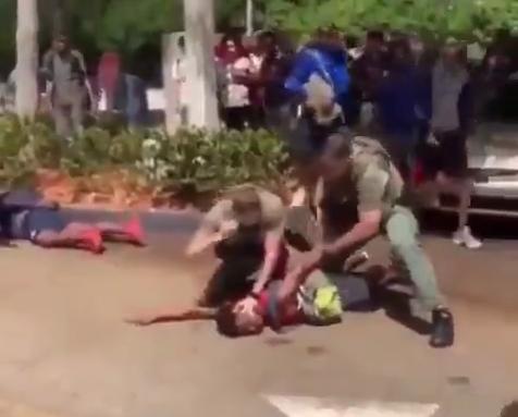 حمله وحشیانه پلیس فلوریدا به یک نوجوان 15 ساله