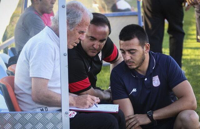 دنیزلی: تاخیر در آغاز لیگ به ضرر تراکتور شد، دنبال بازیکن خارجی با انگیزه هستم