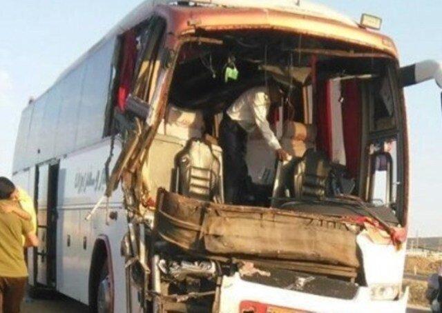 انحراف اتوبوس در محور انار - شهربابک؛ 14 زخمی بر جای گذاشت