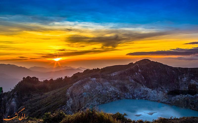 دریاچه کلیموتو، پدیده ای طبیعی که هر روز رنگ عوض می نماید!