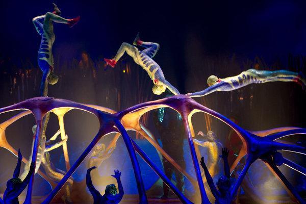 تئاتر برادوی سیرک آفتاب را تجربه می نماید