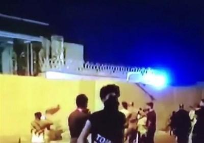 روایت شاهدان از هویت حمله کنندگان به کنسولگری ایران در کربلا