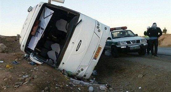 4 فوتی و 14 مصدوم در حادثه واژگونی اتوبوس یزد- مشهد
