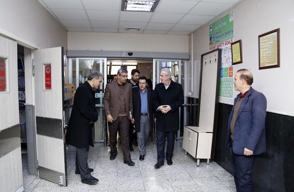 خبرنگاران استاندار آذربایجان شرقی میزان آمادگی بیمارستان های تبریز را آنالیز کرد