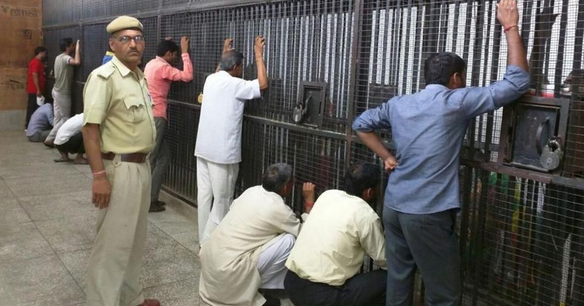 شورش زندانیان هند در میان شیوع ویروس کرونا
