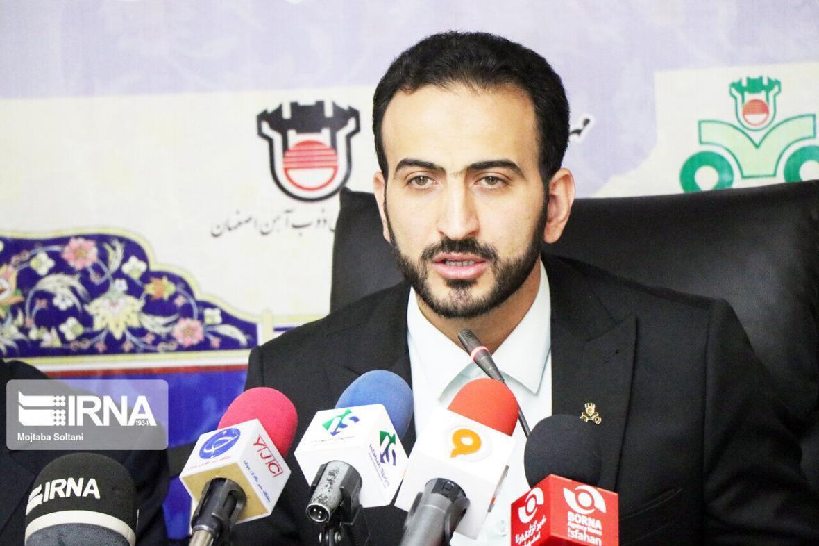 خبرنگاران پروتکل های بهداشتی در تمرینات فوتبال رعایت شود