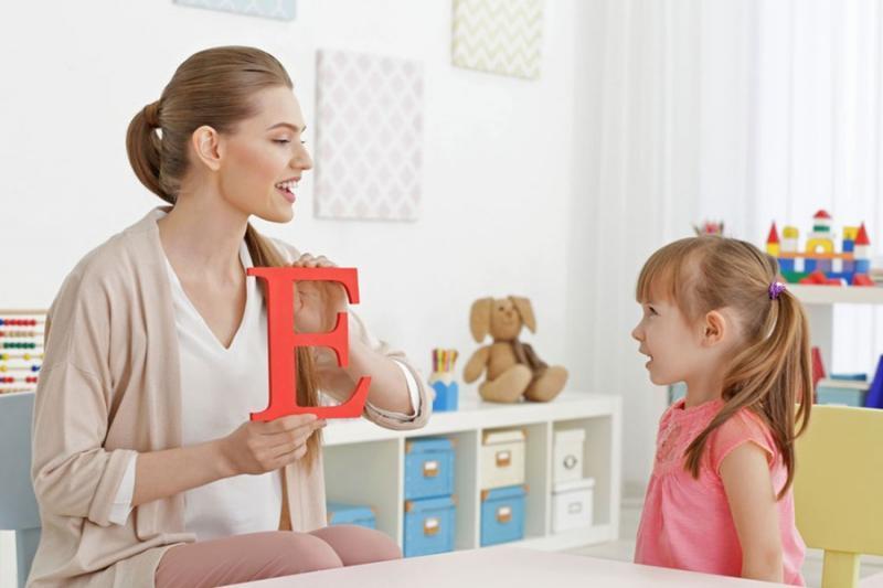 چه بچه هایی احتیاج به گفتاردرمانی دارند