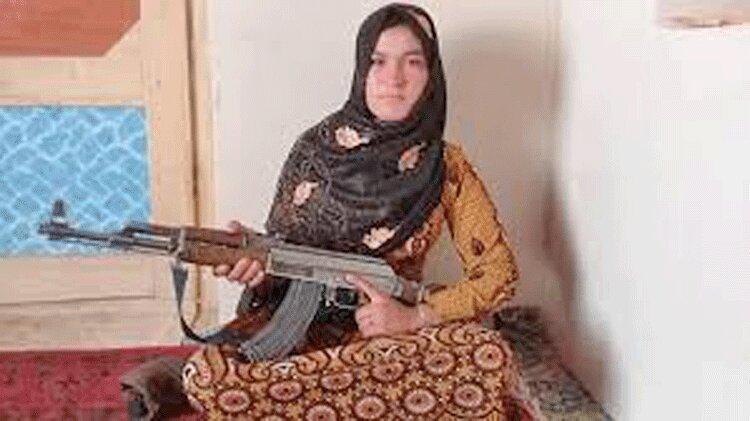 قهرمان 15 ساله مردم افغانستان ، قمر گل انتقام خون پدر و مادر را گرفت