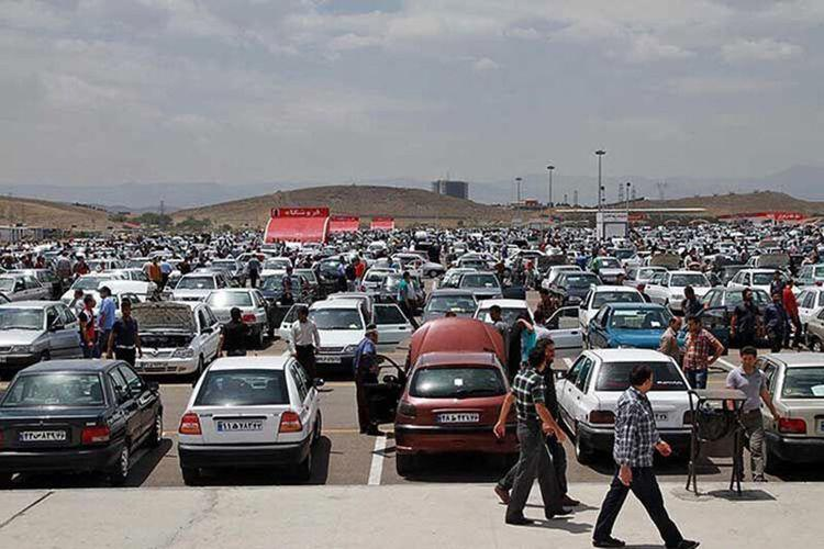 قیمت روز خودروهای سایپا و ایران خودرو؛ کاهش اندک قیمت ها در بازار