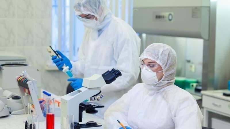 خبرنگاران انجام 49 طرح بالینی کرونا در دانشگاه علوم پزشکی مشهد