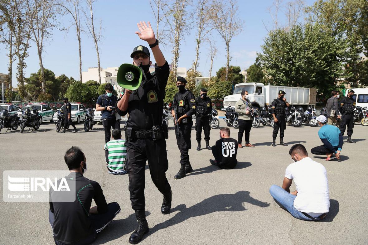 خبرنگاران 780 نفر اراذل و اوباش در فارس دستگیر شدند