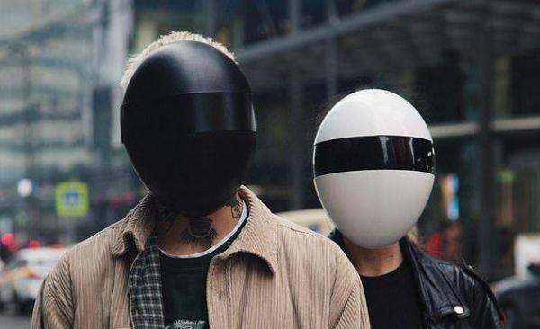 خبرنگاران ماسک تمام صورت کرونا ساخته شد