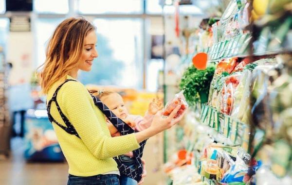 25 ماده غذایی مفید و مضر در تغذیه مادر شیرده و تاثیر آنها بر کودک