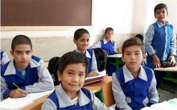 رایزنی با وزارت کشور و بهداشت برای واکسیناسیون معلمان و دانش آموزان اتباع خارجی