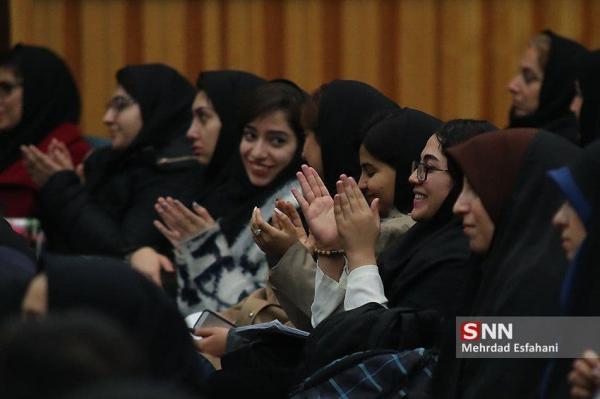 تقدیر از برگزیدگان دانشجویان دانشگاه شیراز در نهمین جشنواره ملی رویش